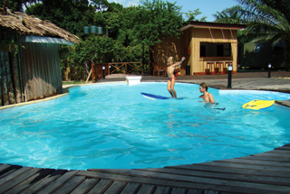Loango lodge pool