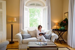 manor house luxury suite living